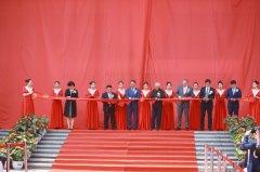 南山20年大手笔 时尚广场揭幕、品牌大秀震撼上映